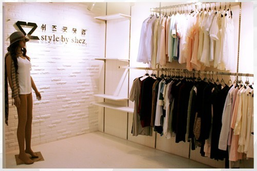 韩国女装网店装修图片韩国女装小店装修图片3