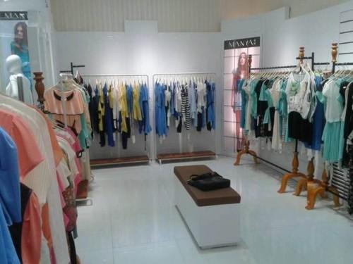 女装店欧式风格图片欣赏