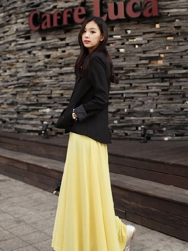 长裙+单肩流苏包+腰带+帆布鞋