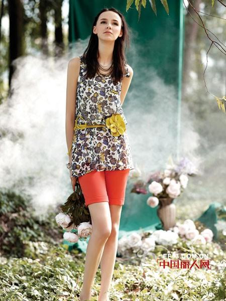 女装品牌大全 VIRGIE CHAN成熟女装的革新者