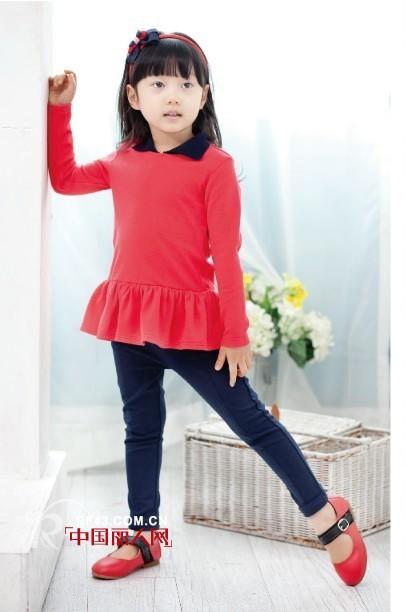安娜/安娜爱登童装以韩版款式为主,这款纯色款式娃娃衫设计,下摆...
