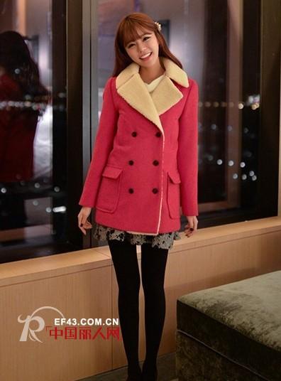 韩国美女圣诞节装扮款式美女大衣装扮大胸红色gif图片