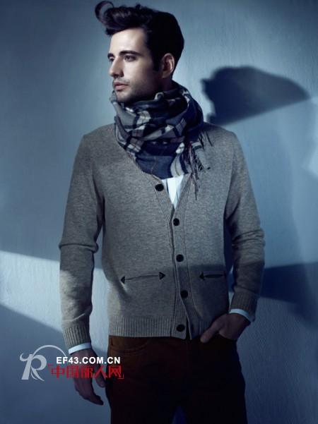 秋季男士针织开衫应该怎么搭配
