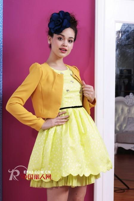 短款小西装配什么裙子好看 秋季公主裙配什么外套