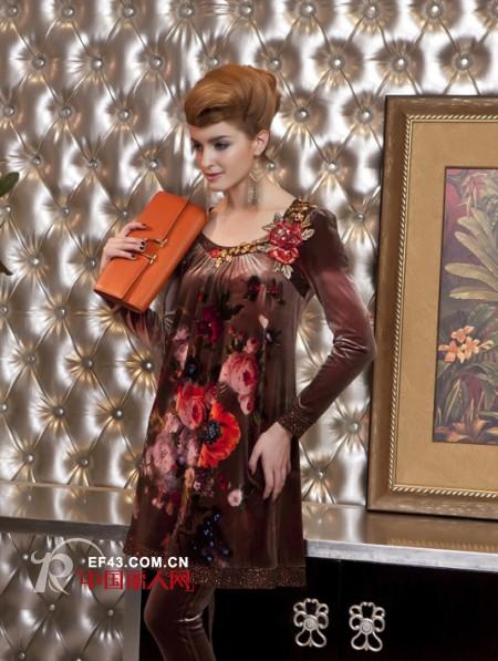 高贵又典雅天鹅绒 成熟女人的穿衣搭配秘密