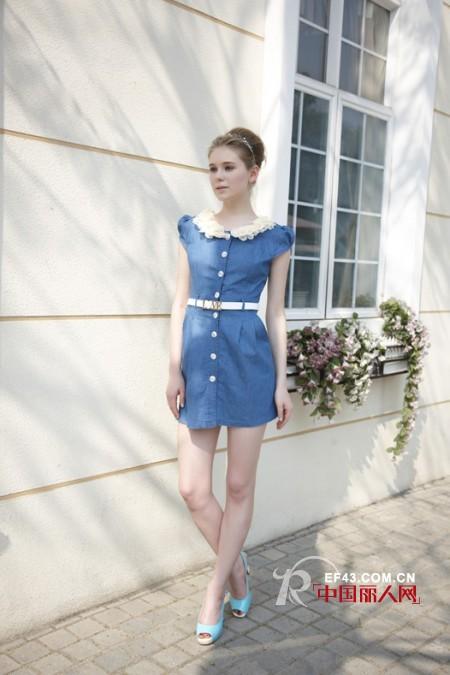 夏季牛仔裙拼接蕾丝 今季最潮的短袖裙新款