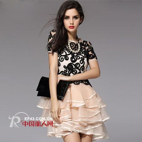 高品质真丝连衣裙新款 层叠的裙摆演绎蕾丝迷情