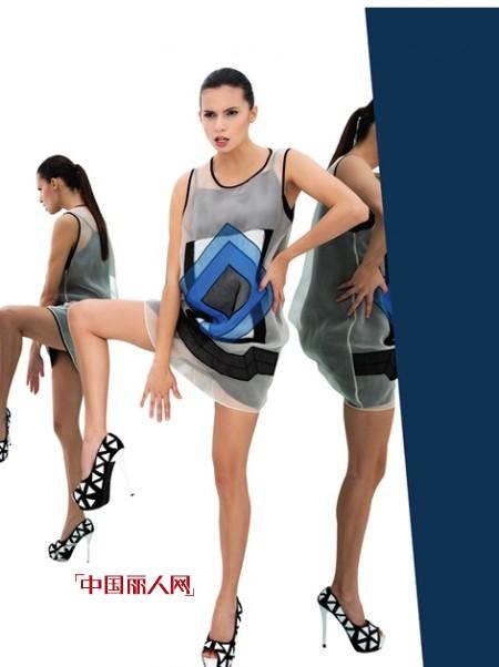 歐根紗背心裙好看嗎 歐根紗印花背心裙搭配什么款式的鞋子