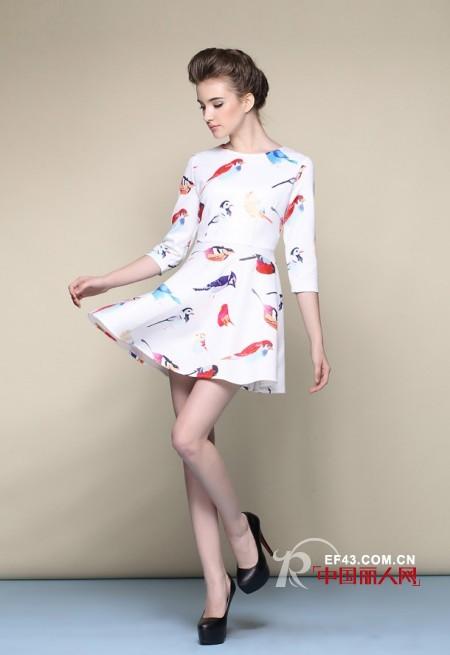 【套装】套裙搭配 夏季流行什么套装款式 腿粗穿什么好