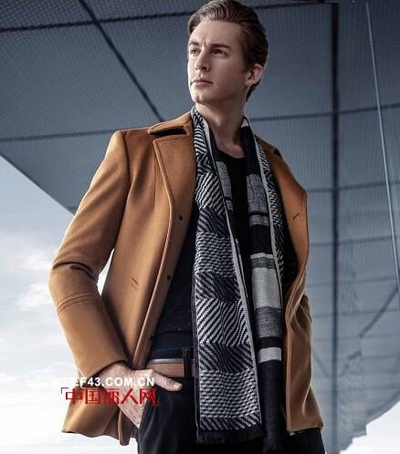 今年秋冬男装流行什么装扮 男士呢子外套搭配 呢子外套流行什么颜色