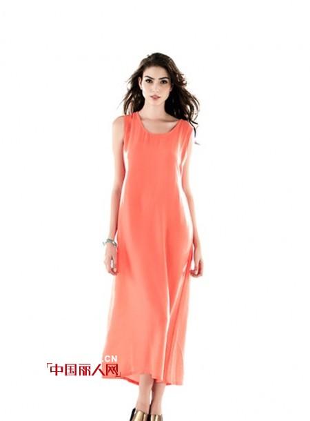 橙色背心长裙搭配什么外套 橙色适合配什么颜色 连衣裙配什么外套好看