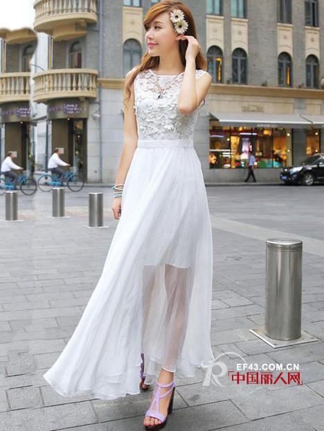 连衣裙夏装 浅色连衣裙搭配 浅色连衣裙穿出清新脱俗的气质