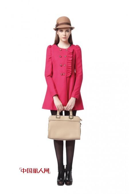 2014秋季惹眼装扮 红色系列呢子外套搭配术