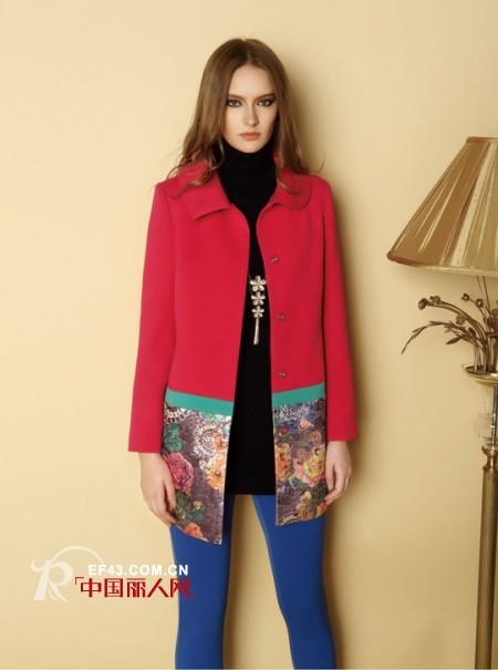 红色外套搭配什么针织衫