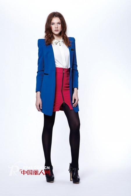 宝蓝色小西装配什么颜色裙子好看 秋季小西装款式搭配