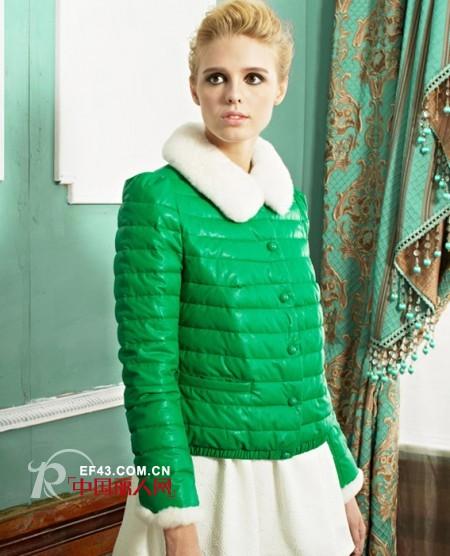 短款的羽绒服好看吗?冬季短款羽绒服搭配 保暖又时尚
