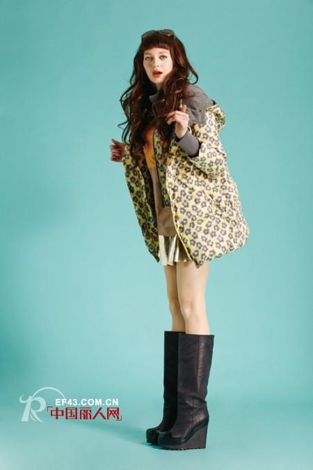 韩式风格搭配篇 波点羽绒服搭配高筒靴 皮草外套什么款式好看