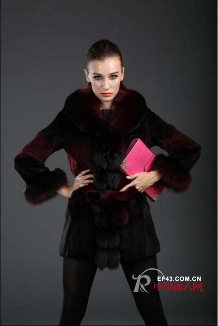 时尚皮草外套搭配 呢子大衣搭配 冬装搭配