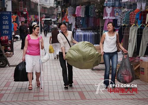 去服装批发市场拿货有什么技巧?  服装批发市场拿货技巧