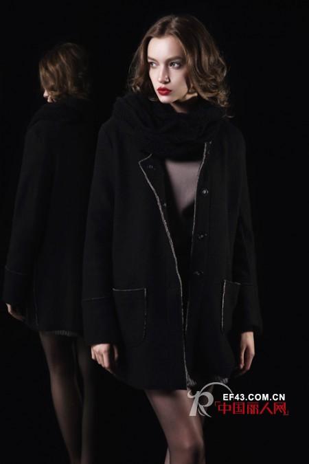 黑色呢子外套配什么颜色围巾 灯芯绒外套怎么搭配