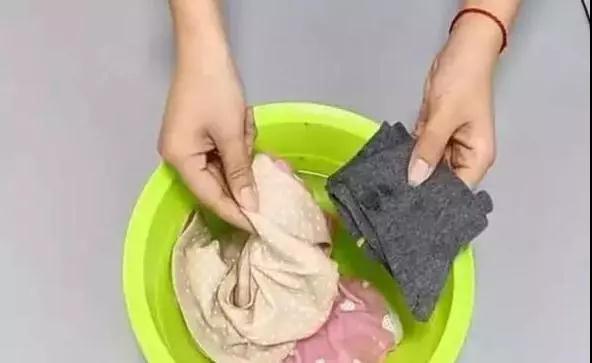 清洗内衣内裤时 不少女人忽略了这3点 难怪身体没有以前好了!