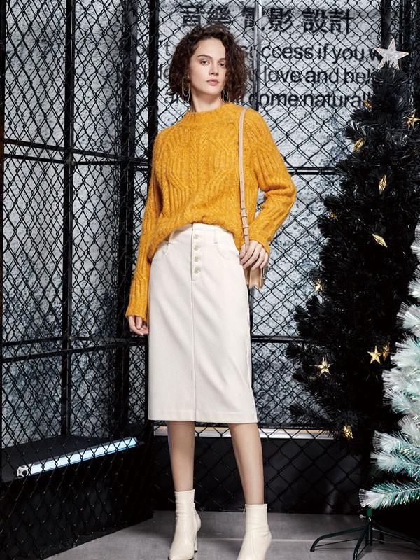 为什么秋天更适合穿黄色呢什么是时髦的黄色物品