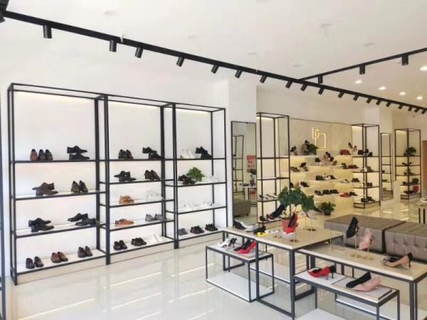 丹比奴知名鞋包品牌 行业领航地位是如何确立起来的?