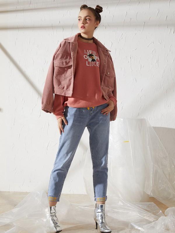 时髦的休闲秋日穿搭可以运用什么单品 新佳娜让你的造型更出挑