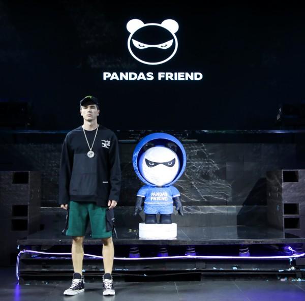 """PANDAS FRIEND SS2020春夏发布会 发出自己的""""潮""""声"""