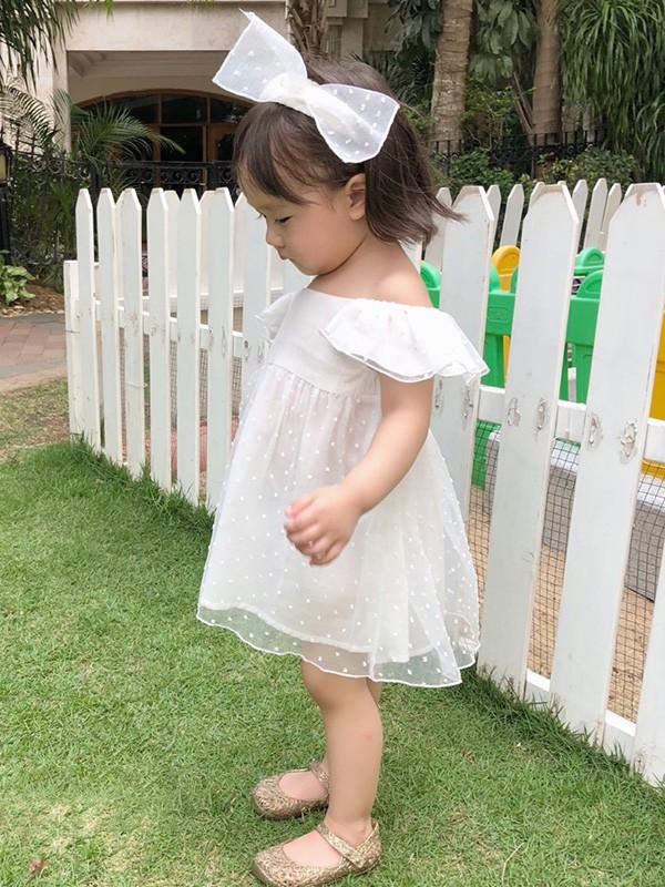 兒童白色連衣裙穿出孩子的天真可愛 莫小汐為你搭配