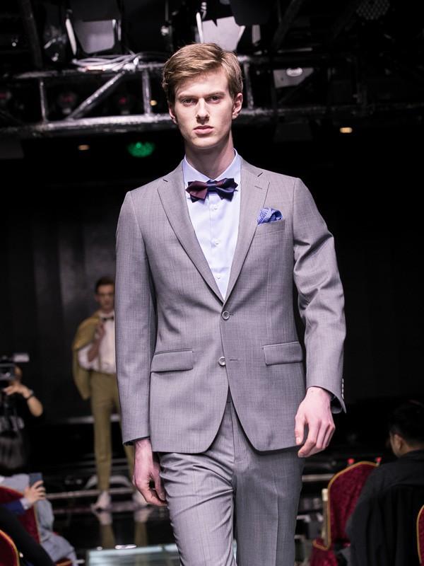 男士西装的定制有哪些 雷尼德为你定制