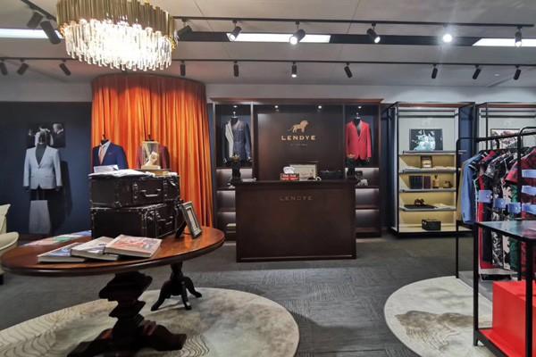 用十五万元加盟一家中档偏上的男装品牌 让你不做亏本生意