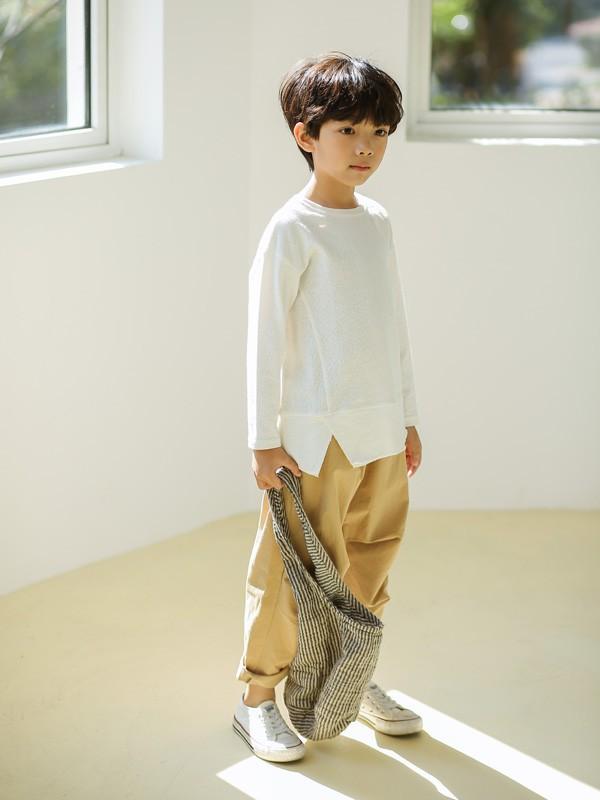 衛衣搭配什么褲子更好看 小男生的秋季搭配