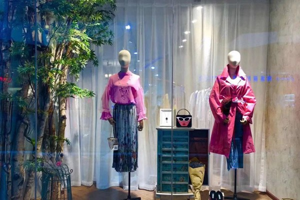 女装行业的未来发展前景怎么样 开一家女装店需要多少钱