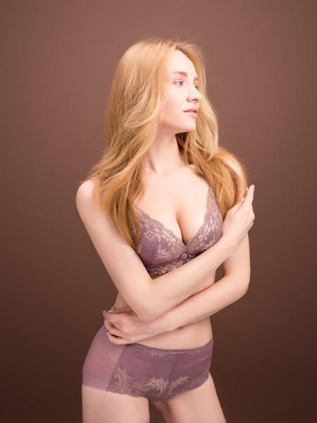 乳房一大一小正常吗?该如何选择内衣