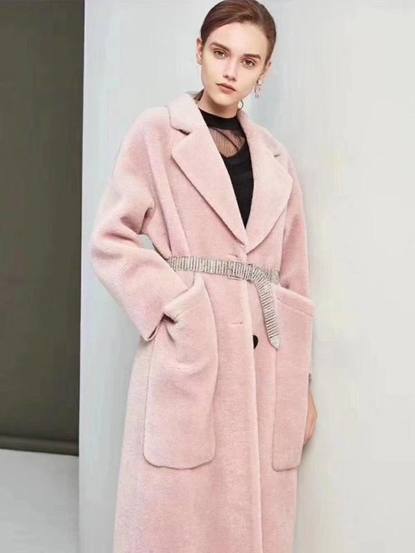 大衣里面穿什么好看 秋之恋女装让你时髦一整冬