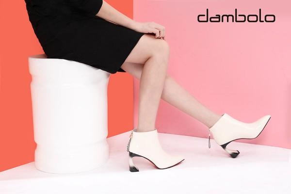 中筒靴搭配裙子等于高级感?丹比奴为你演绎中筒靴的魅力