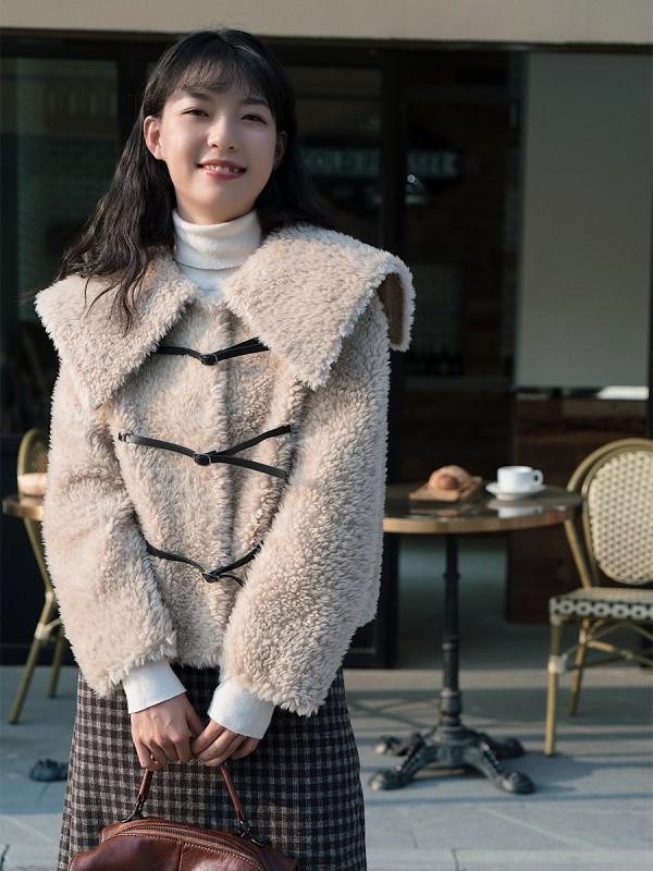 摇粒绒是什么面料 流行款摇粒绒外套的搭配