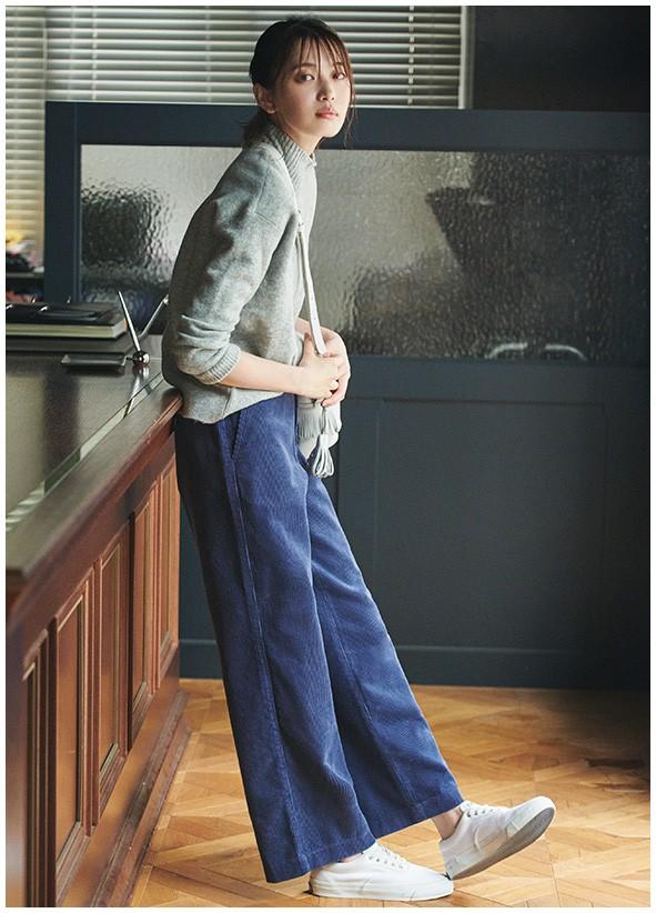 灯芯绒阔腿裤配什么衣服好看 灯芯绒面料会显胖吗?