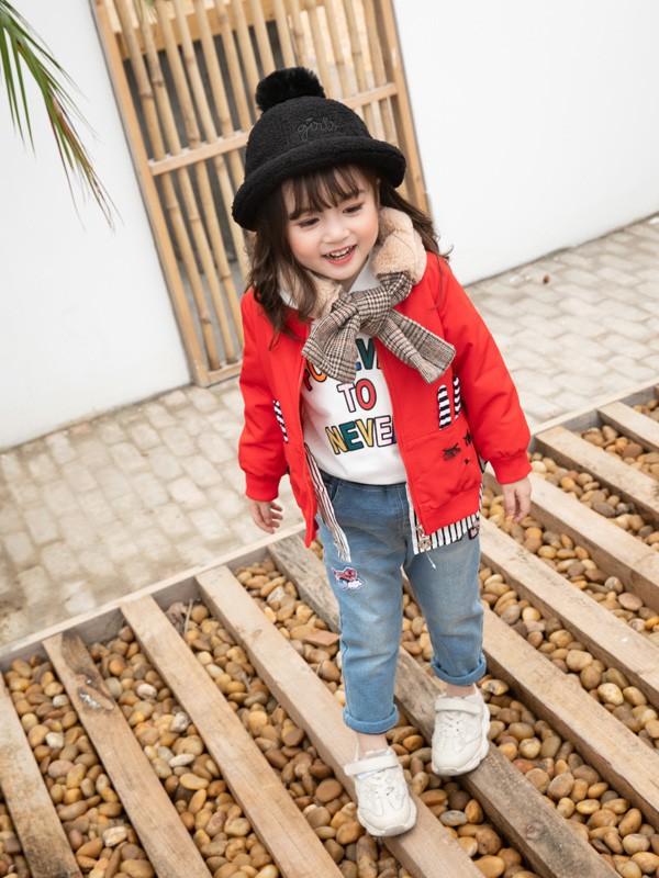 冬季萌娃穿搭技巧 教你輕松穿出時尚感