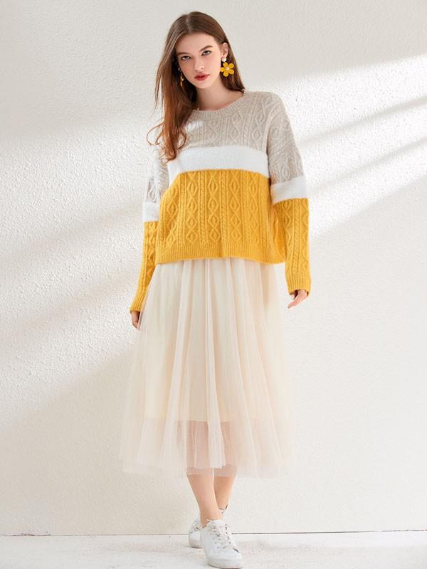 针织毛衣的穿在身上原来有这么大的魅力 谁看了都走不动道