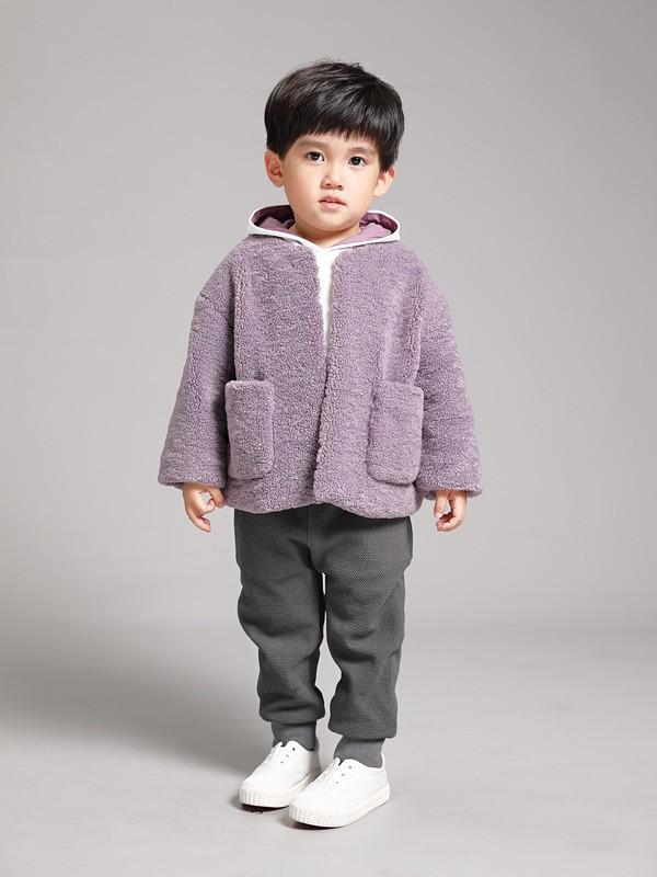 羊羔絨外套保暖性強嗎 兒童羊羔絨外套怎么穿