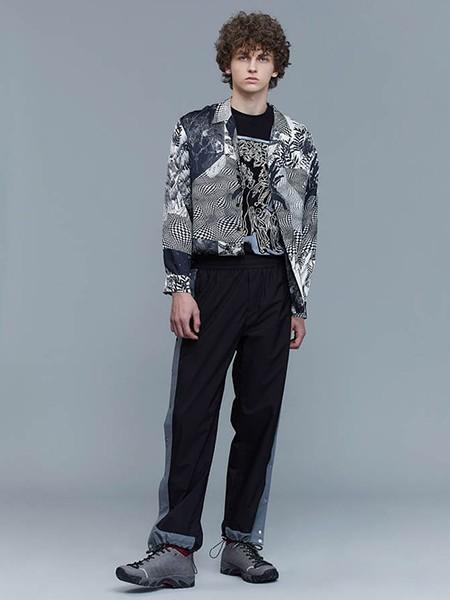速寫男裝冬裝怎么樣 冬季襯衫里面配什么顏色打底衫
