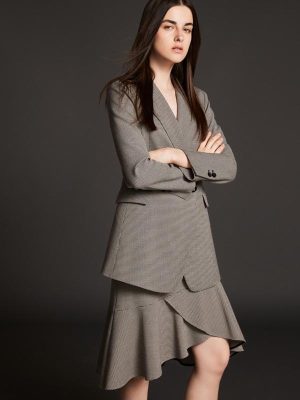 時尚女裝芮瑪教你輕松駕馭可鹽可甜的職業裝