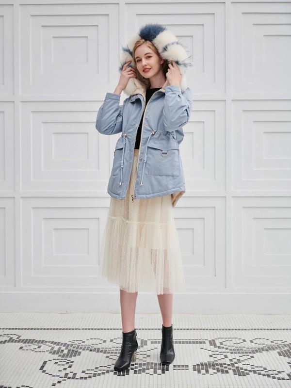 冬天休闲时髦穿搭 不显臃肿穿搭手法让你做气质女神