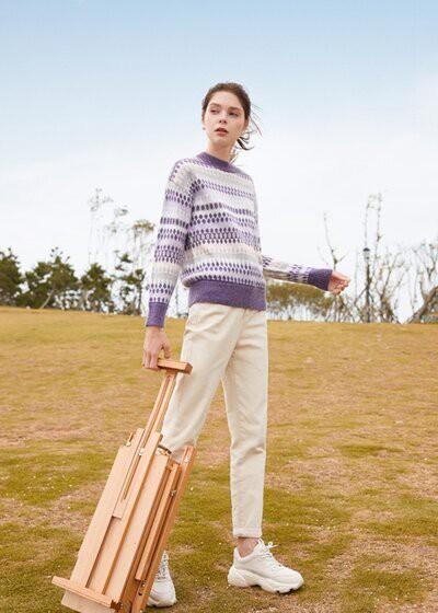春美多秋冬季穿搭指南 一件毛衣搞定你的时尚搭配