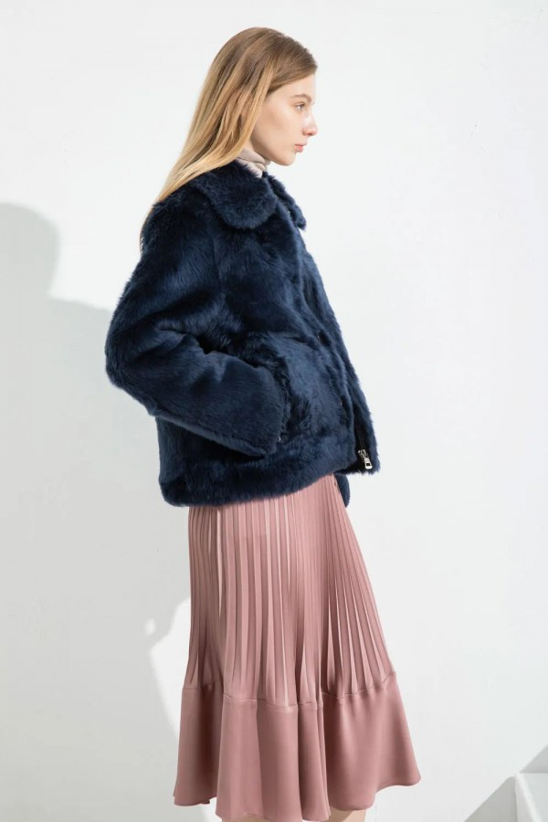 羊绒羊毛外套很暖吗 CARABLUE女装新款上市