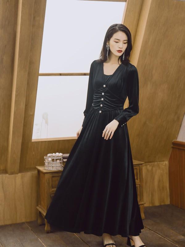 适合加盟的女装品牌 卡蔓女装经典而优雅