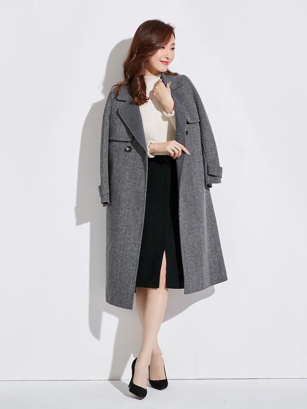 灰色大衣有哪些时髦的搭配 爱依莲女装教你如何穿