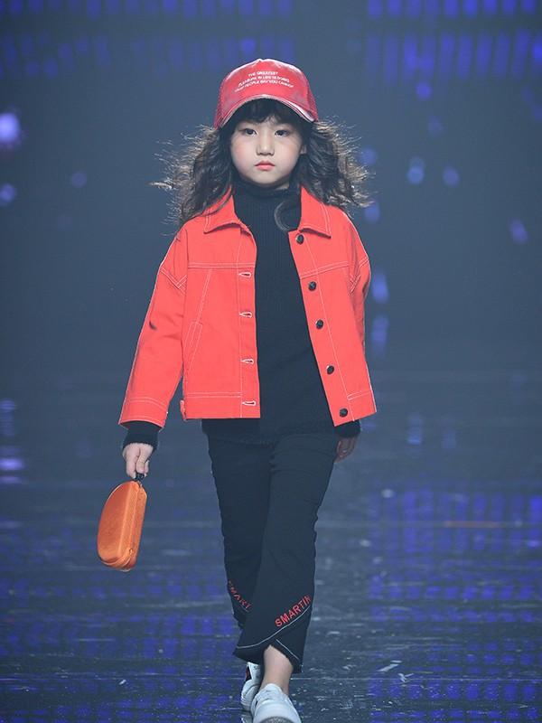春季時髦外套穿搭 西萌叮童裝教你怎么穿